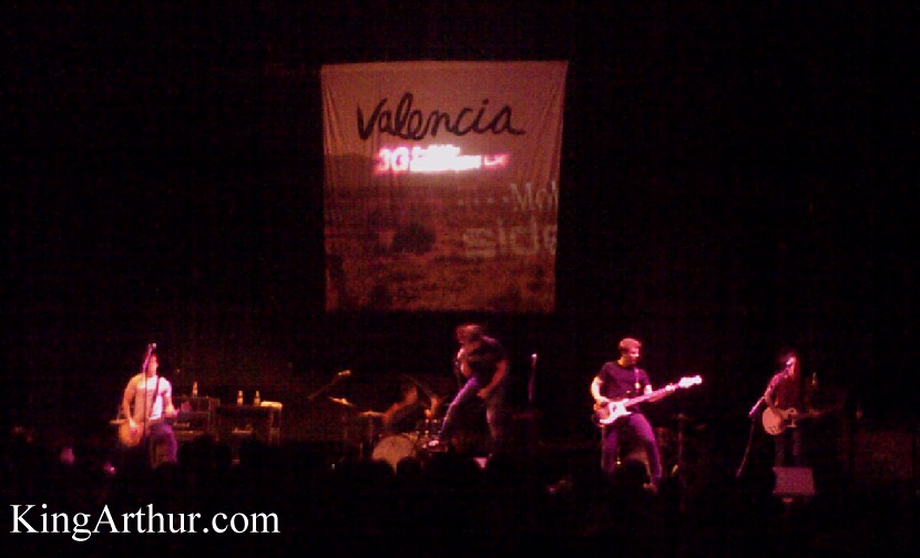 Valencia Opening For Blink 182